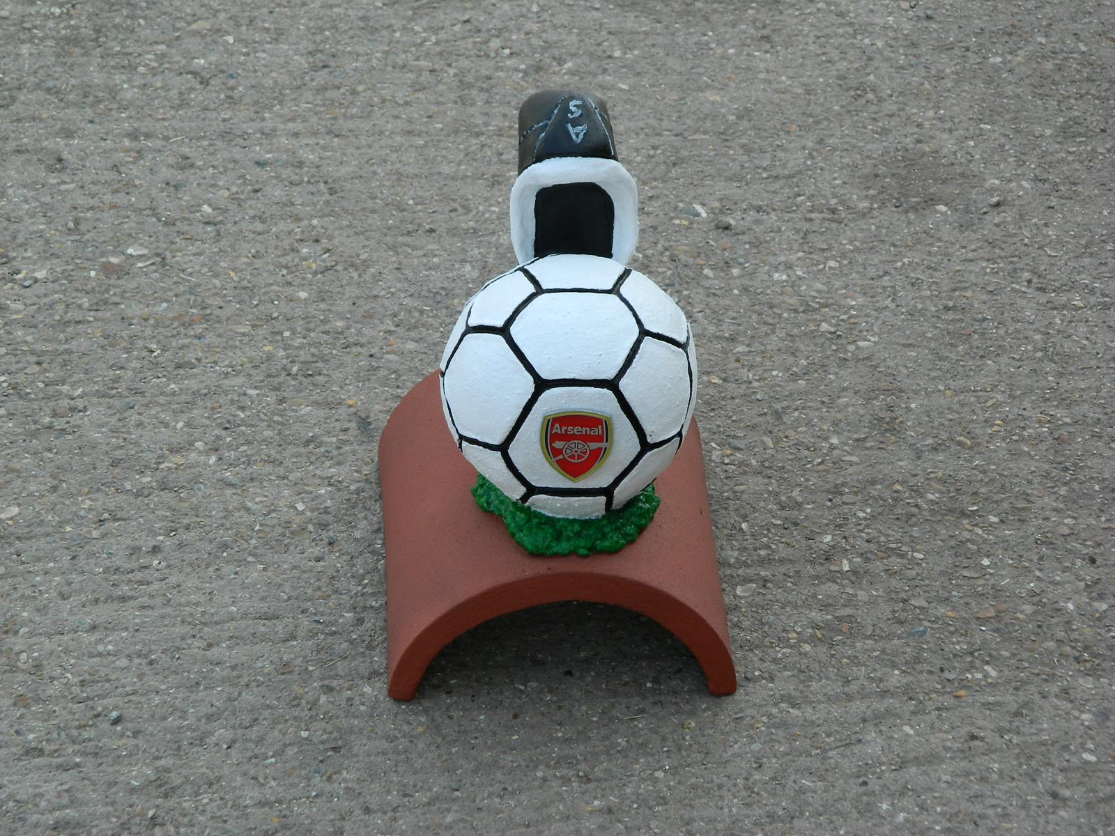 Arsenal handpainted football finial